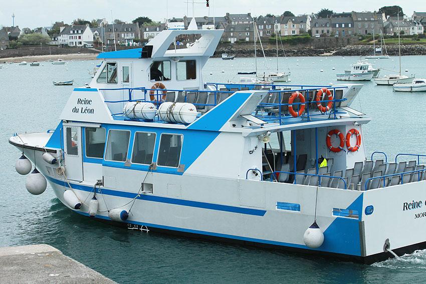 Navires de dessertes ou à passagers, bretons Port_r11