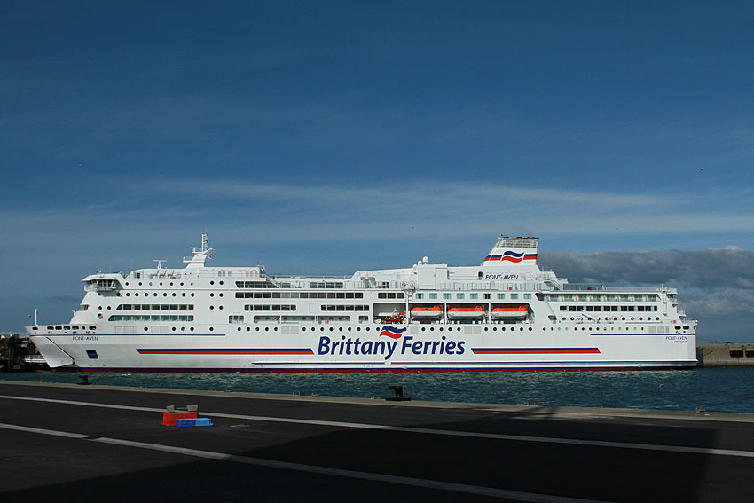 Navires de dessertes ou à passagers, bretons Port_r12