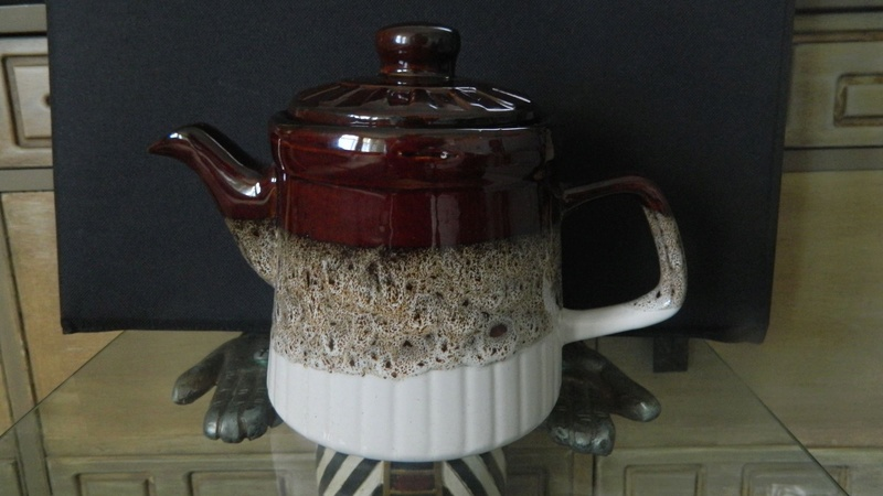 Orzel ribbed teapot Image60
