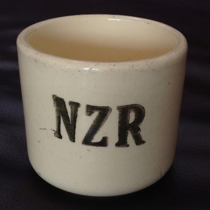 NZR shards: Ambrico NZR railway cups 1939-43 Image75