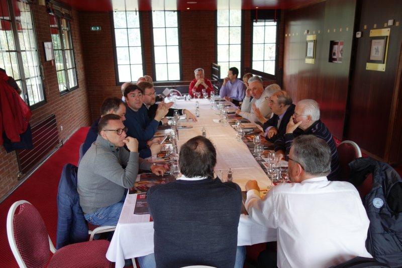 3ème rencontre informelle au MB Center de Rueil-Malmaison le samedi 10 mars 2018 - Page 2 Img_0575