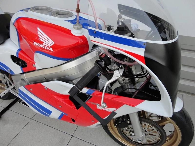 Honda RC 30 - Page 7 59063710