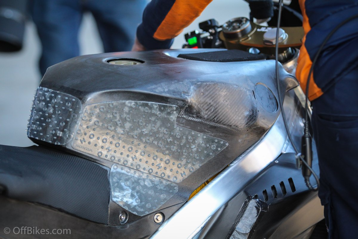 Moto GP Moto2 Moto3 2019 - Page 2 Dtf5z011