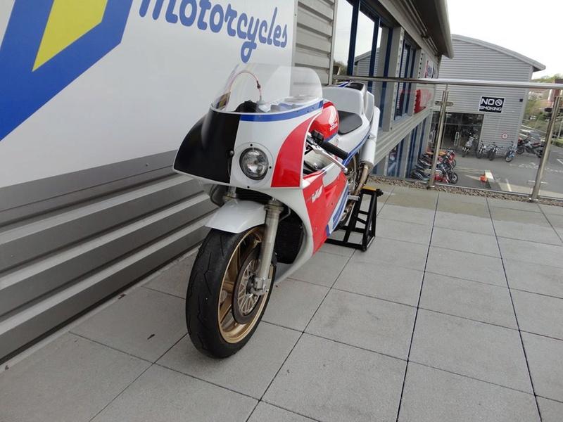 Honda RC 30 - Page 7 Edcfe310