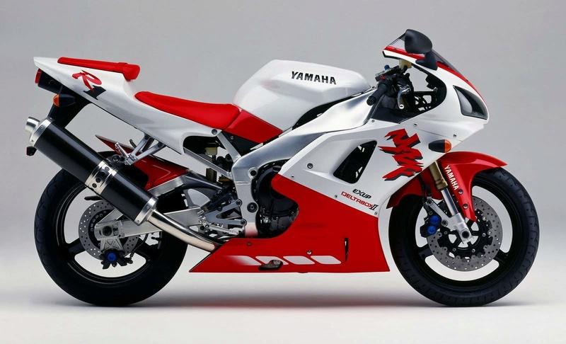 Bientôt 20 ans pour le R1  Yamaha13