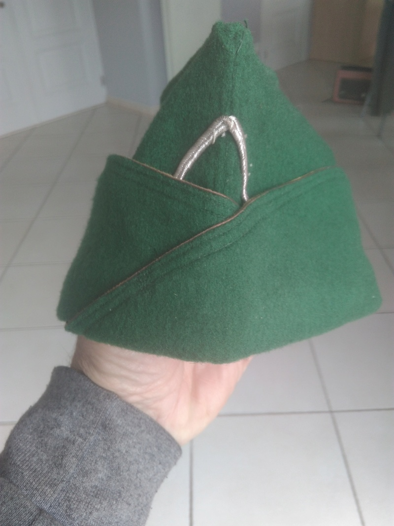 Bonnet de police  Français ? Img_2050