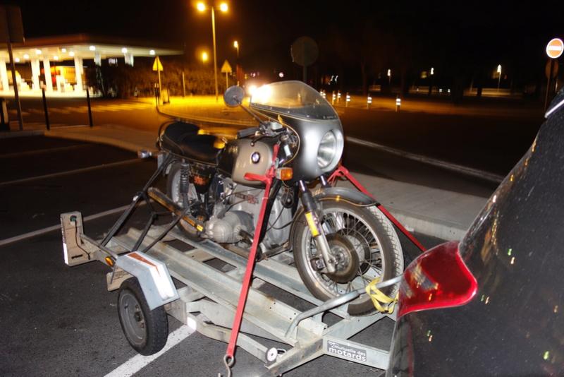 remorque porte 2 motos , dont un vieux flat Dsc01113