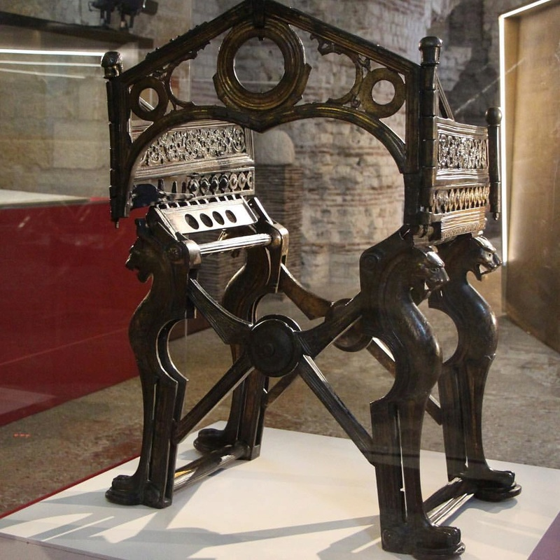 le trône de Dagobert  14540610