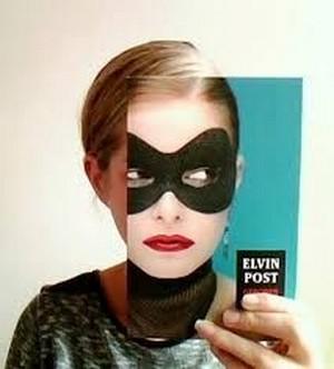le Book Face - Page 2 Book_f19