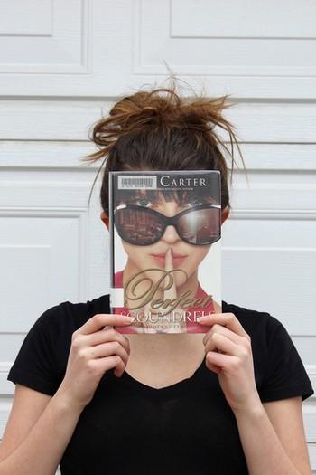 le Book Face - Page 2 Book_f20