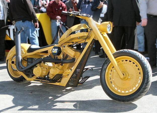 No limit à l'imagination pour les motos, Humour of course! - Page 5 Caterp10