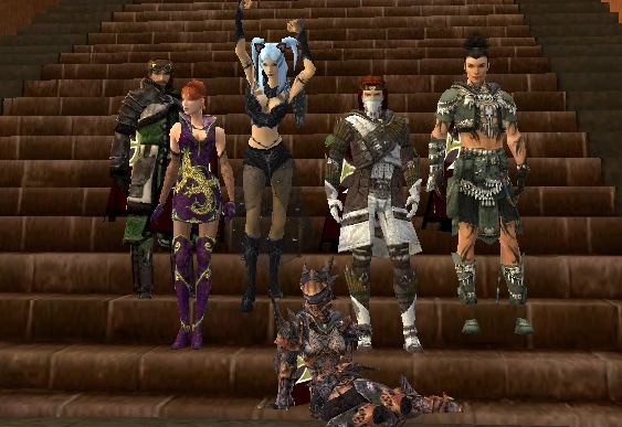 Pictures of our Guild Members! Gw24510