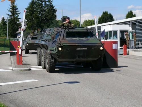 Samedi 4 décembre 2010 6 04 /12 /2010 06:09 BFA . Cérémonie d'implantation en France du 291e bataillon de chasseurs de la République Fédérale d'Allemagne 13074910