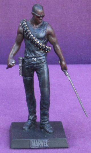 Les autres statues ou figurines de mon bureau... - Page 4 Blade10