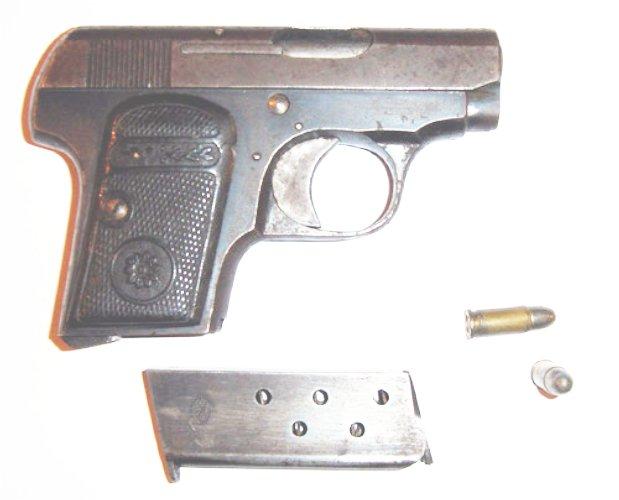 Identification d'un pistolet ancien Majest11