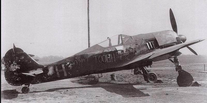 Fw 190 A4 u8 de Zvezda  2018-010