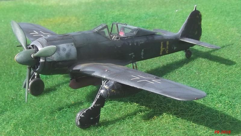 Fw 190 A4 u8 de Zvezda  U8_01410