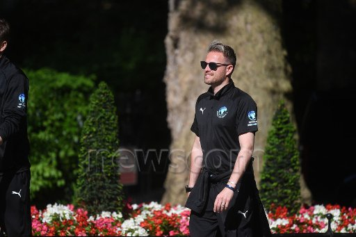 [Fotos] Soccer Aid week! Dfemg210