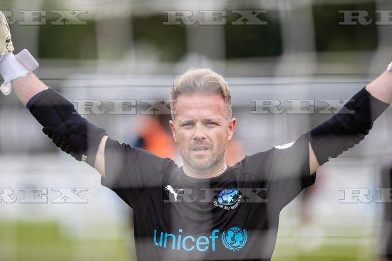 [Fotos] Soccer Aid week! Dfg7uw10