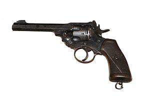 Quel Pistolet vous ferait plaisir! - Page 4 300px-10