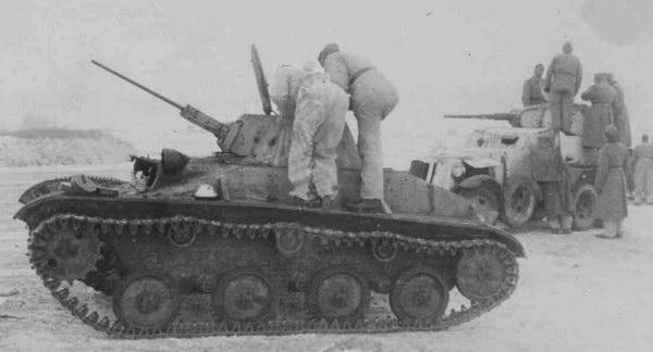 Les munitions du char léger soviétique T-60 Tnsh1-10