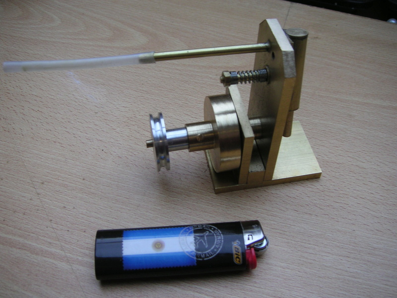 Moteur à air comprimé (monocylindre à piston oscillant) imprimé 3D 00312
