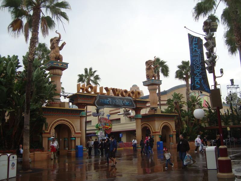 [Disneyland Resort] 17 au 19 octobre 2010 + l'Ouest américain - Page 2 Dsc09019
