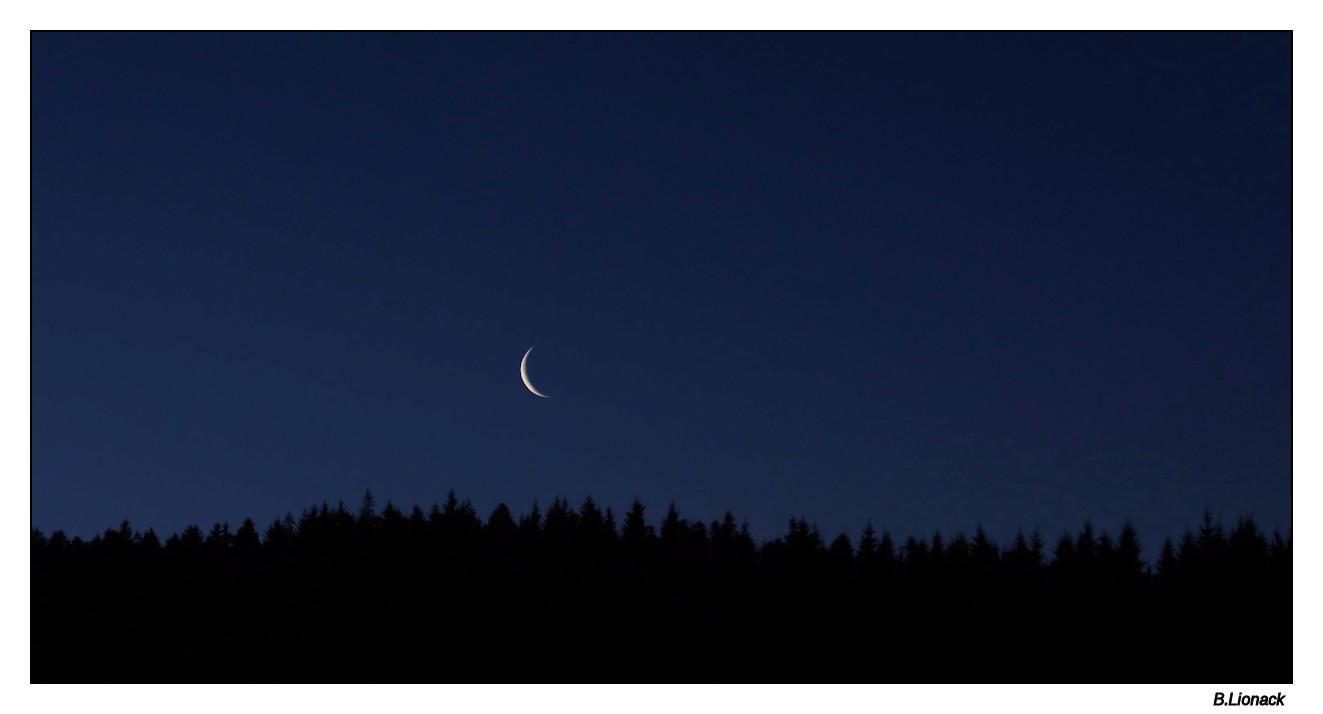 Au réveil par la fenêtre Lune1410