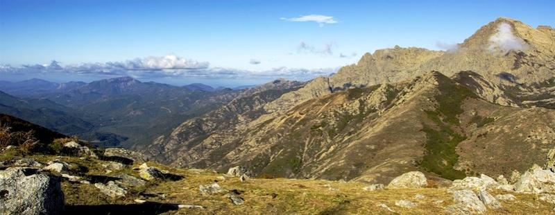 Paysage de montagnes V2 83781710