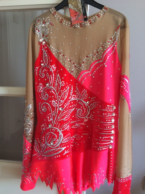 A vendre justaucorps rouge atelier coquelicot taille S Img_0510