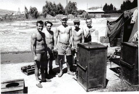 Photos souvenir  de l'Algérie en guerre 55/58 - Page 2 05-12-10