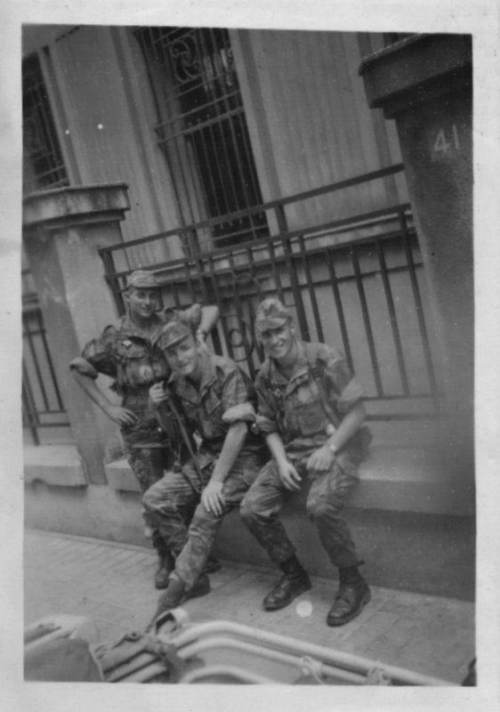 Photos souvenir  de l'Algérie en guerre 55/58 - Page 2 Alger_12