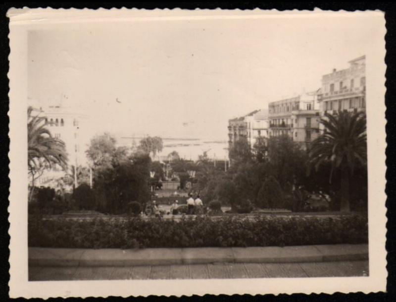 Photos souvenir  de l'Algérie en guerre 55/58 - Page 2 Alger_15