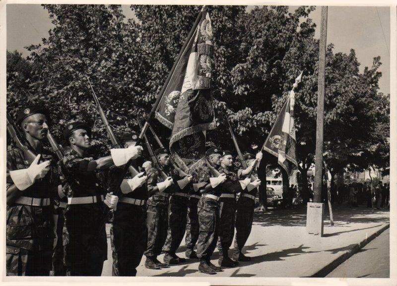Photos souvenir  de l'Algérie en guerre 55/58 - Page 2 Alger_19