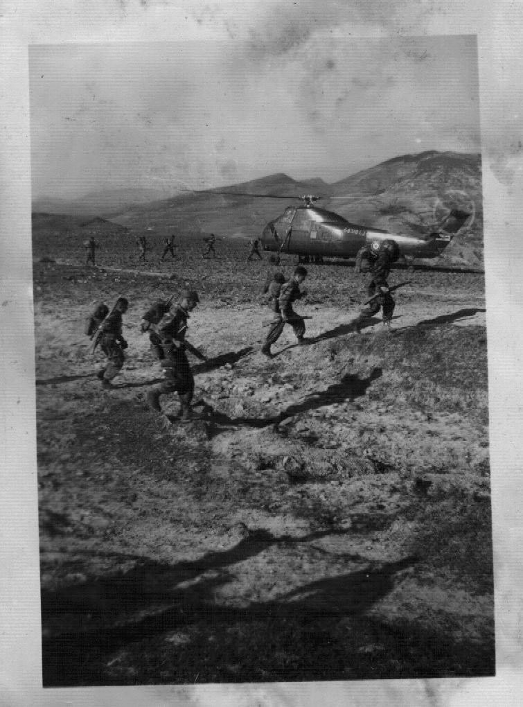 Photos souvenir  de l'Algérie en guerre 55/58 - Page 2 Algeri10