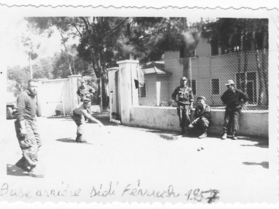 Photos souvenir  de l'Algérie en guerre 55/58 - Page 2 Jeu_de10