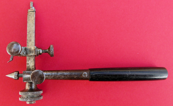 Outils d'horlogerie antiques? - Page 4 L1100918