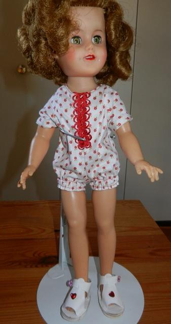 Ideal Toys : Shirley (composition et vinyle) - Mise à jour : 08/08/18 - Page 2 Dscn0517
