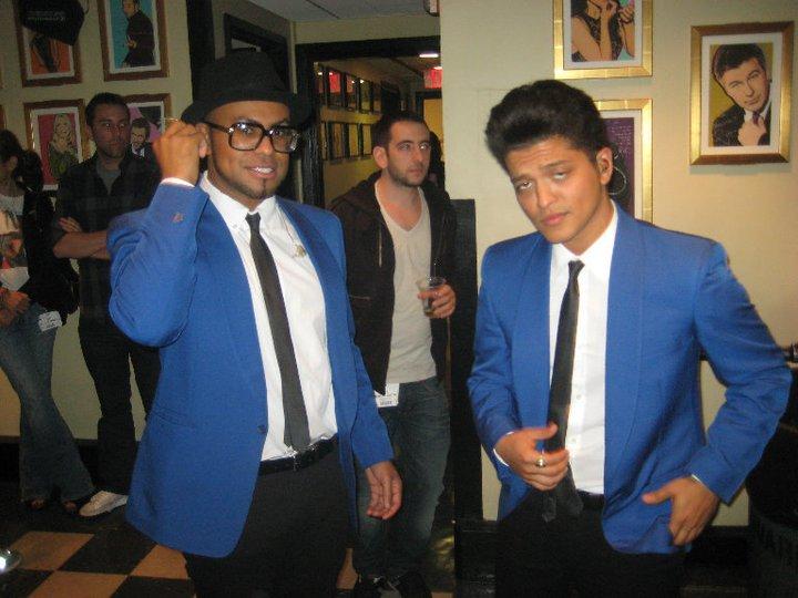 Bruno con su banda :D 33480_10