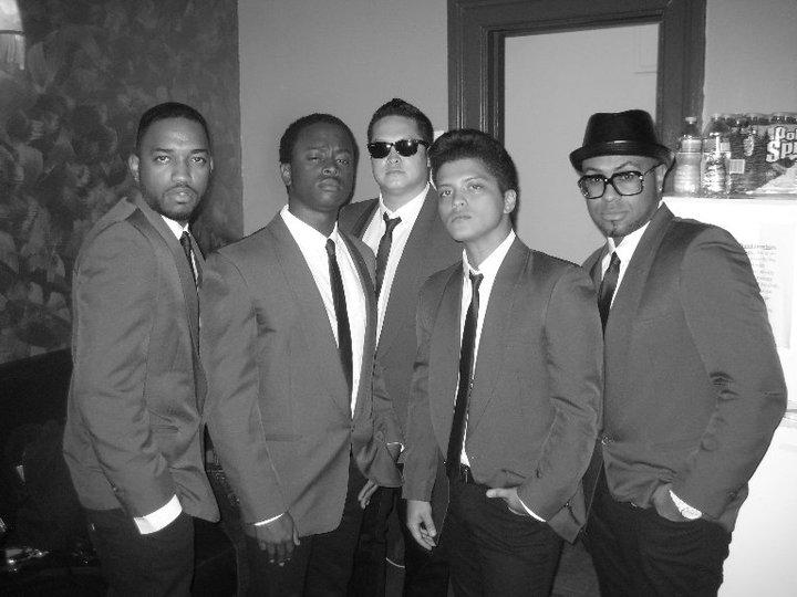 Bruno con su banda :D 41003_10