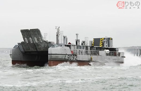 [interarmées] La force amphibie japonaise Lcat10