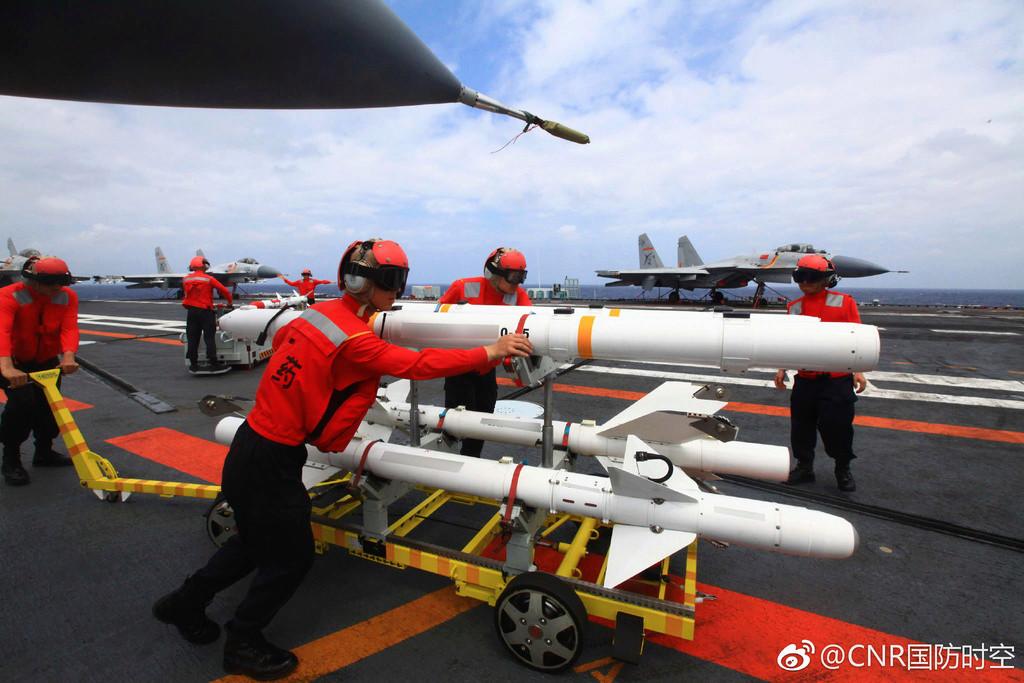 Porte-avions chinois - Page 2 Liao610