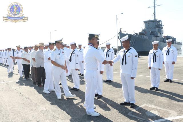 Marine des Philippines - Page 7 Rajahh12