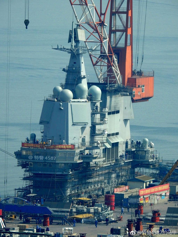 Porte-avions chinois Tsoin310