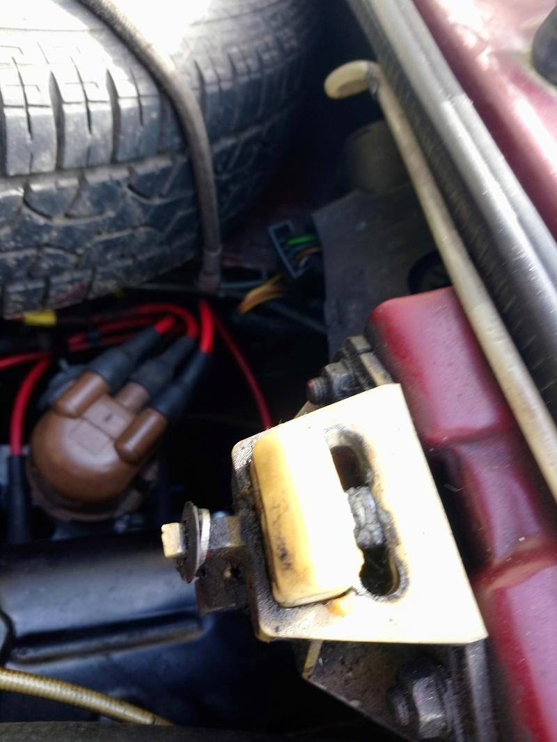 Panne ouverture capot moteur  Dsc_0860