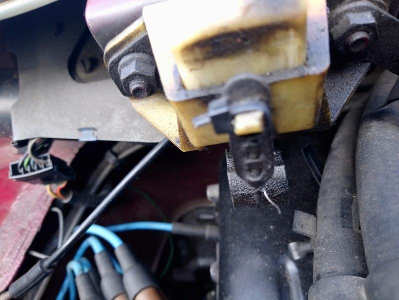Panne ouverture capot moteur  Dsc_0861
