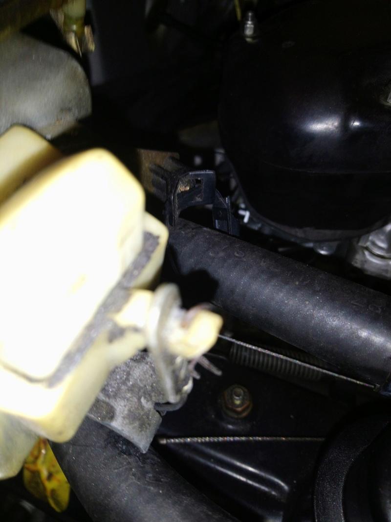 Panne ouverture capot moteur  Dsc_0863