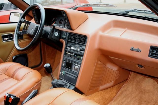 Renault FUEGO Turbo Export de 1982 Fuego_15
