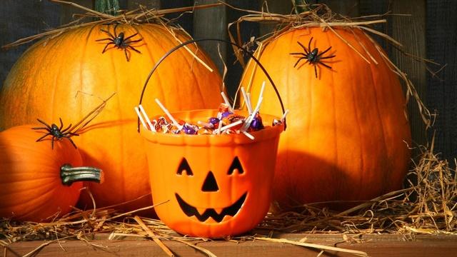 Bonne fête d'Halloween Hallow12