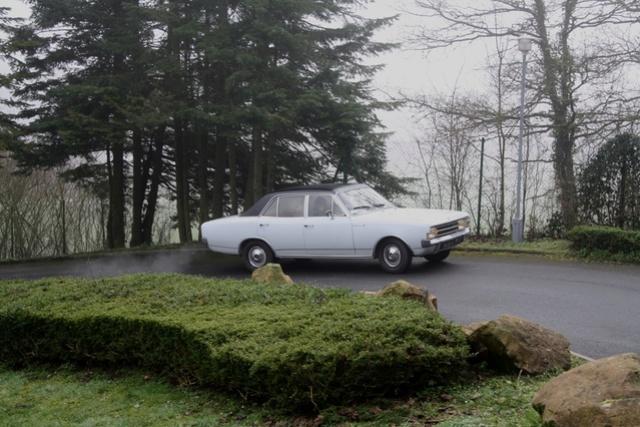 Opel Rekord C 1900 LS de 1970 Opel_r13